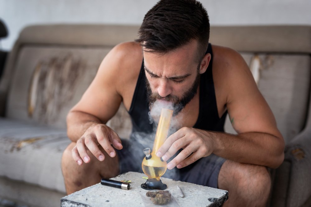 How To Clean a Bong: The Complete Guide - Ganja Dispatch